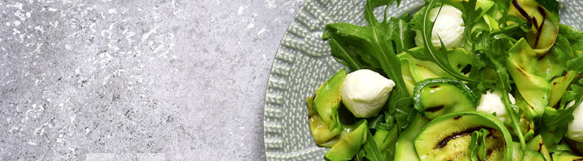 Ensalada de calabacin y perlas de mozzarella