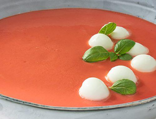 Gazpacho con perlas de mozarella